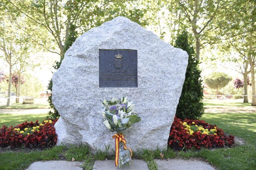 Monolito en Memoria a las víctimas del terrorismo