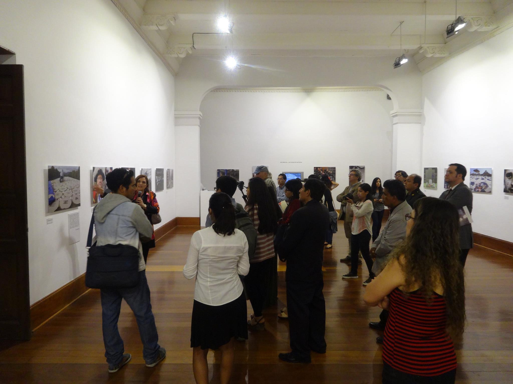 Cristina Cuesta, Patricia Julia Campos Olazaba, Rectora de la USAT y Agata Serrano, también de la USAT.