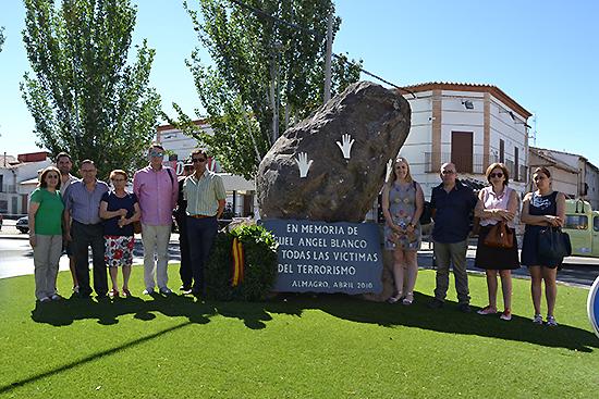 Participantes en el homenaje