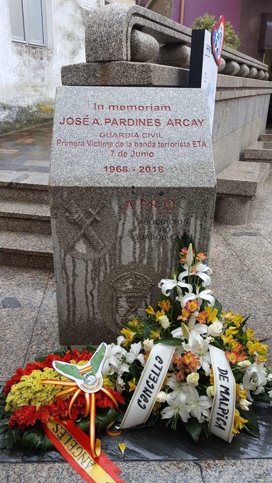 Monumento a José Antonio Pardines en Malpica.