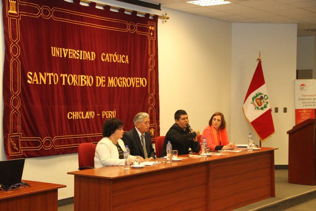 Agata Serrano, dos víctimas del terrorismo en Perú: Eliseo Santa Cruz y Gonzalo Vereau y Cristina Cuesta.